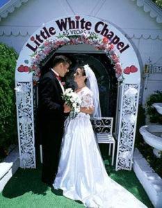 Matrimonio all'estero, Little White Chapel