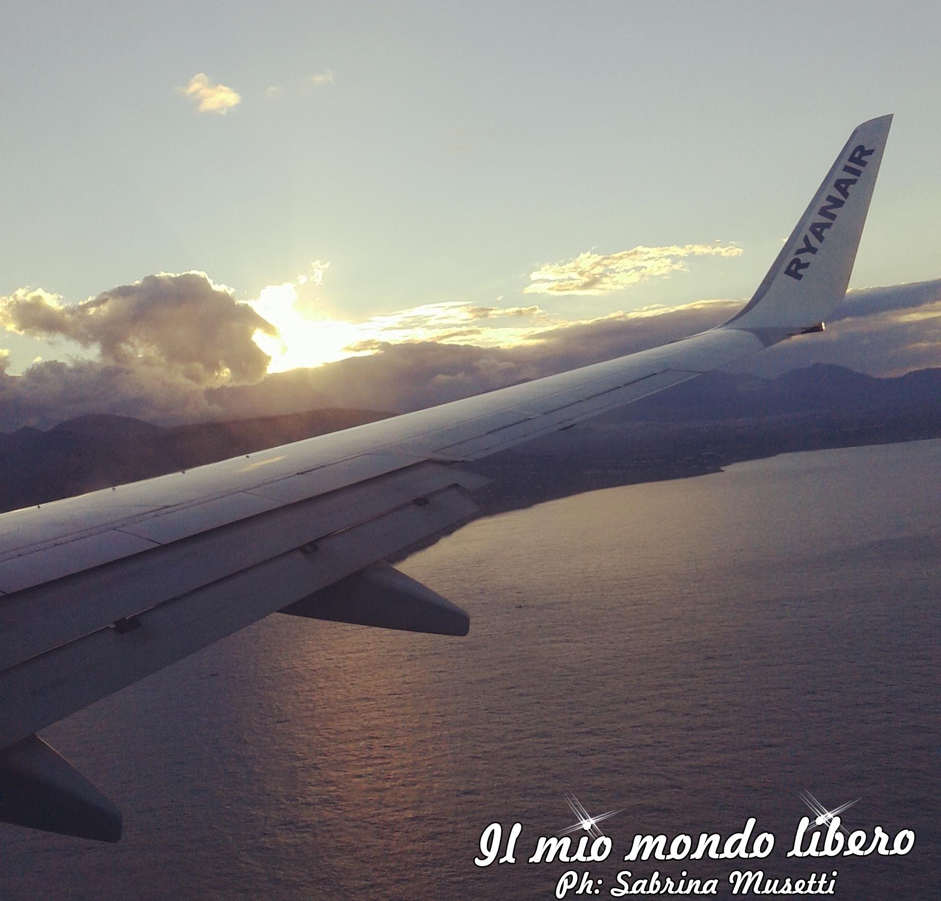 frasi sul viaggio, aereo in volo