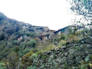 Borgo di Monesteroli visto dal basso