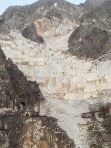 Una cava del bacino di Torano