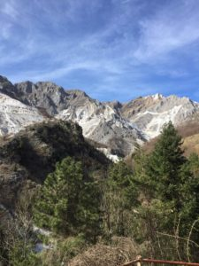 come visitare le cave di Carrara, vista panoramica sulle cave