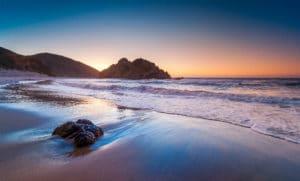 le spiagge più strane del mondo, la spiaggia viola