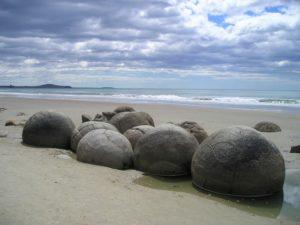 Le Spiagge più strane del mondo, Koekohe Beach Nuova Zelanda