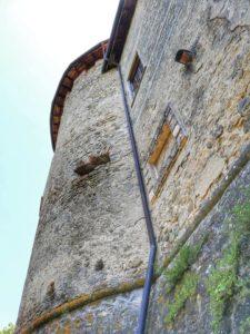 Castello di Monti di Licciana, scorcio delle mura