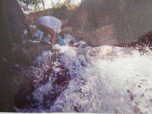 Giamaica le cascate, impegnata nella risalita delle Dunn's River Falls