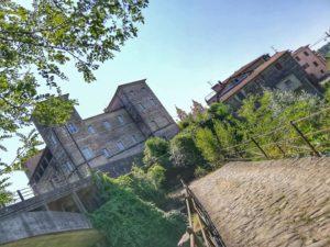 Castello di Pontebosio, visto dall'antico ponte