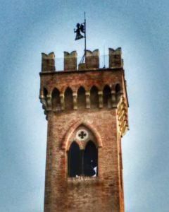 Santarcangelo di Romagna, dettaglio del campanile