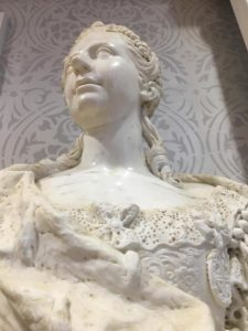 Mostra di Franco Maria Ricci, busto di donna