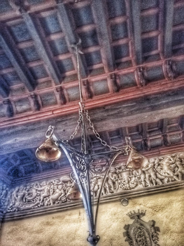castello di Bardi, soffitto ligneo in una delle sale dei Principi