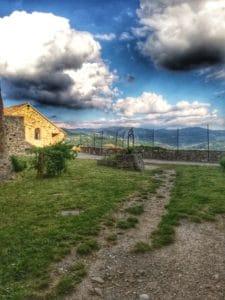 Castello di Bardi, Cortile del Pozzo