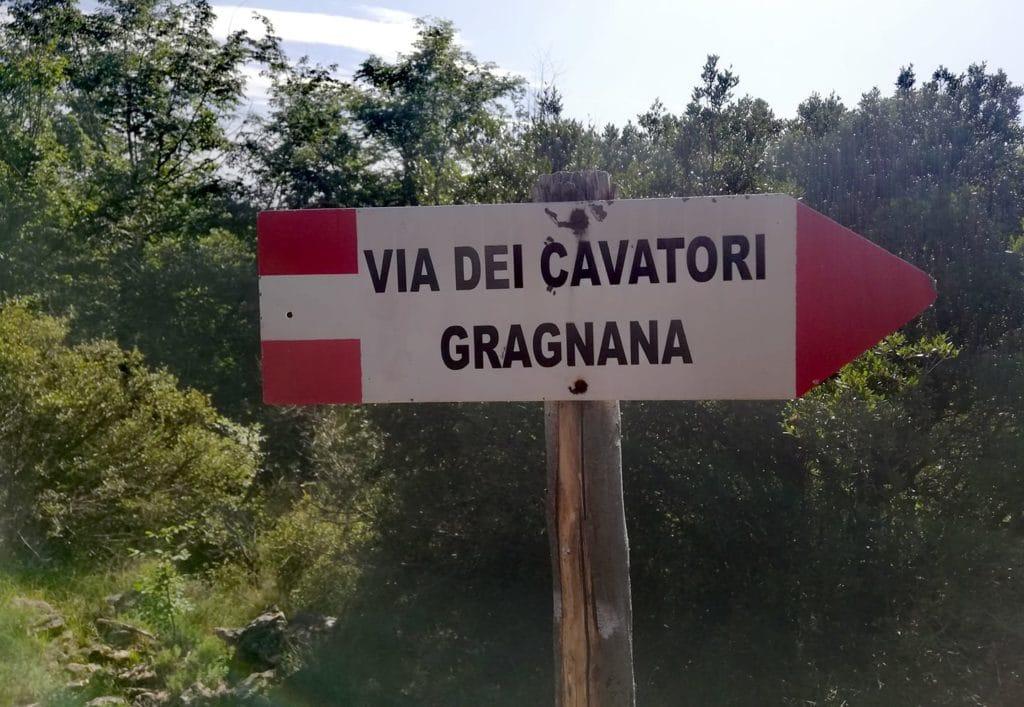 Via dei cavatori, sentiero innesto Gragnana Monte d'Arma