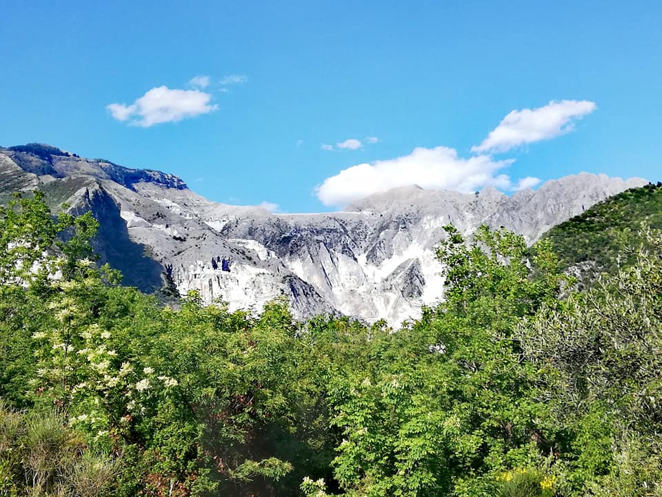 Vista sulle cave dalla Via dei Cavatori