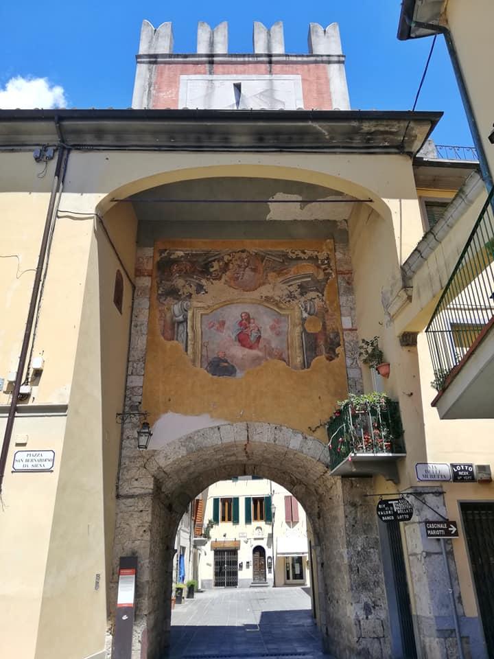 Cosa vedere a Camaiore, Porta San Pietro o Porta Lombricese