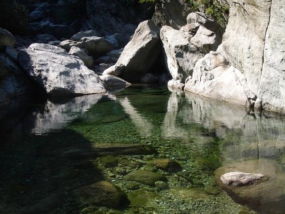Torrente Fer, al primo posto nella classifica delle più belle piscine naturali in Italia
