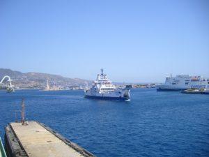 Come arrivare in Sicilia in nave, navi nello stretto