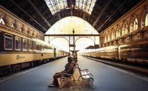 Ritardo treno attesa in stazione