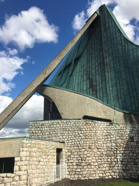 """chiesa autostrada del sole particolare della """"vela"""""""