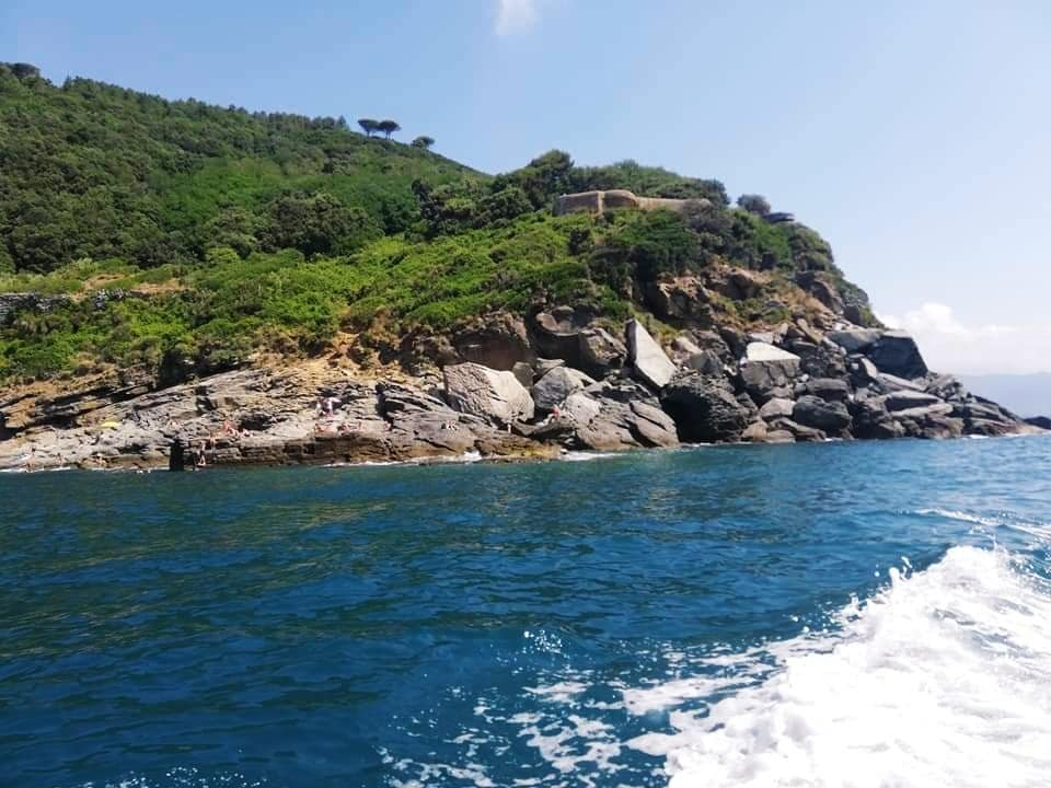 Punta Bianca, Liguria, vista dal mare