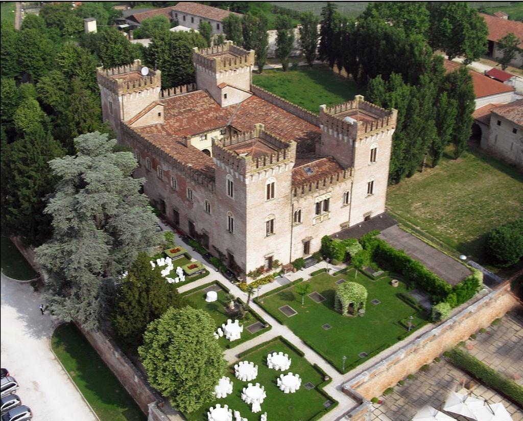 Hotel infestati da fantasmi, relais Castello Bevilacqua, Verona