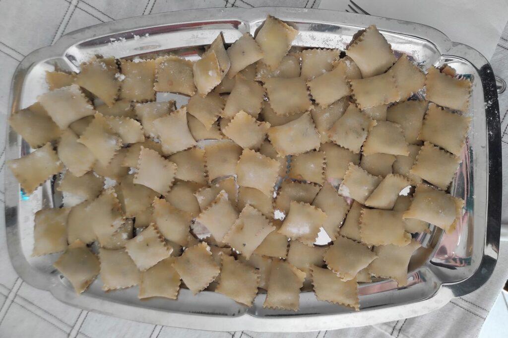 Tortelli alla carrarina fatti a mano