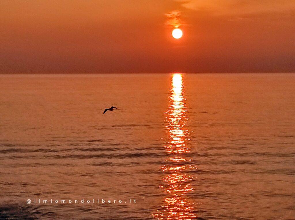 Frasi sul tramonto, un tramonto sul mare
