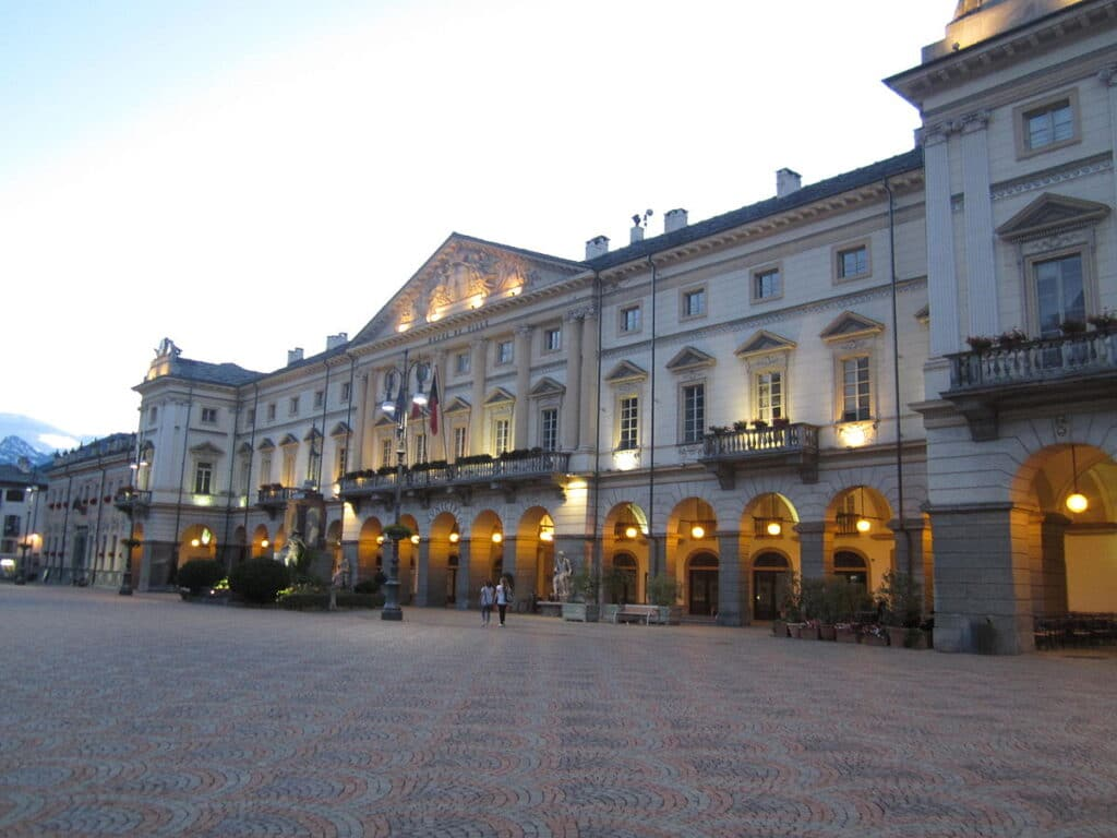 Piazze più belle d'Italia, Piazza Chanox (Aosta)