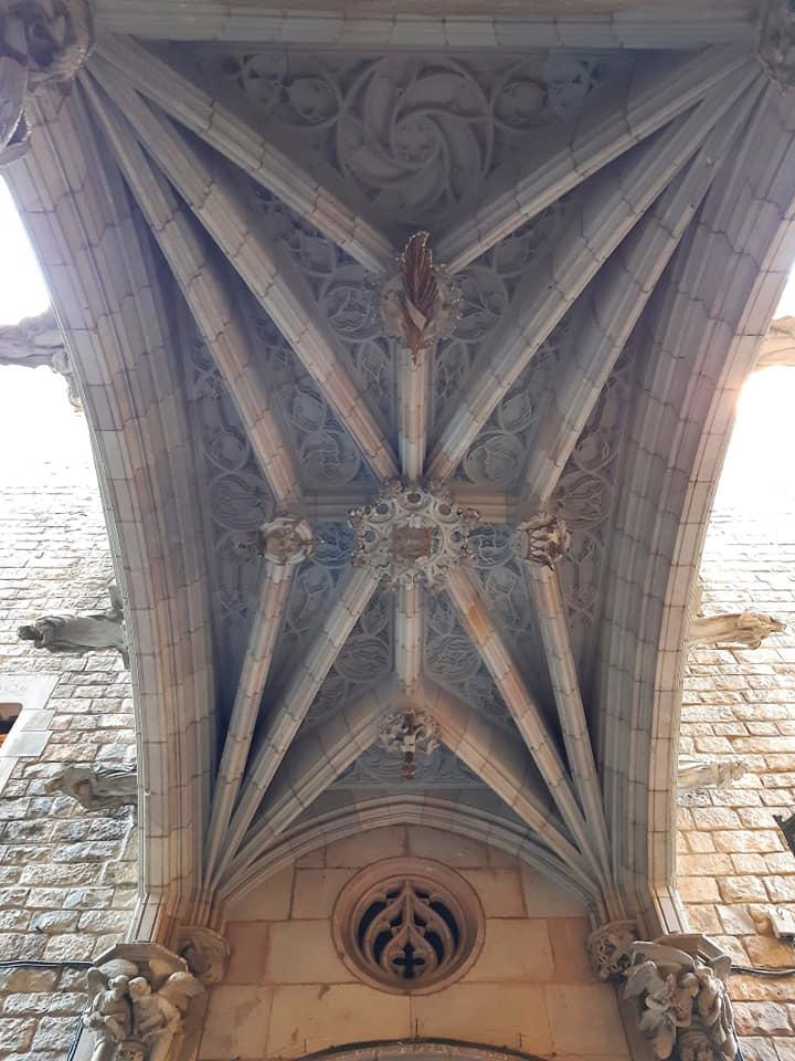 La Base del Ponte del Bisbe da cui è nata la leggenda