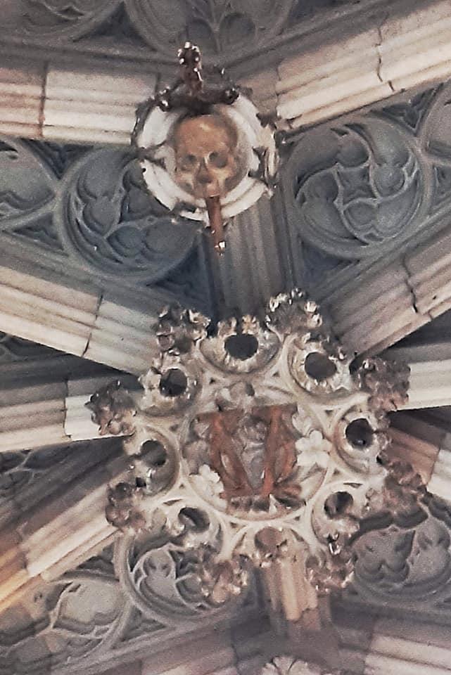 Ponte del Bisbe dettaglio del teschio