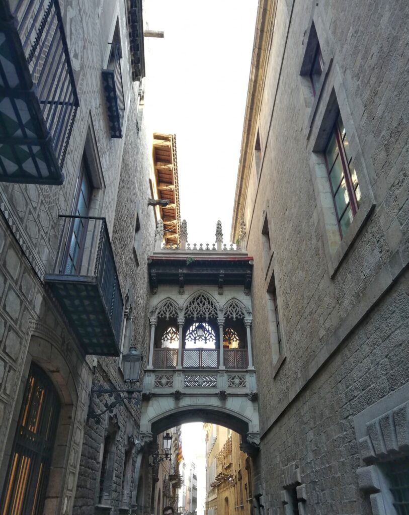 Barcellona, Ponte del Bisbe leggenda e misteri