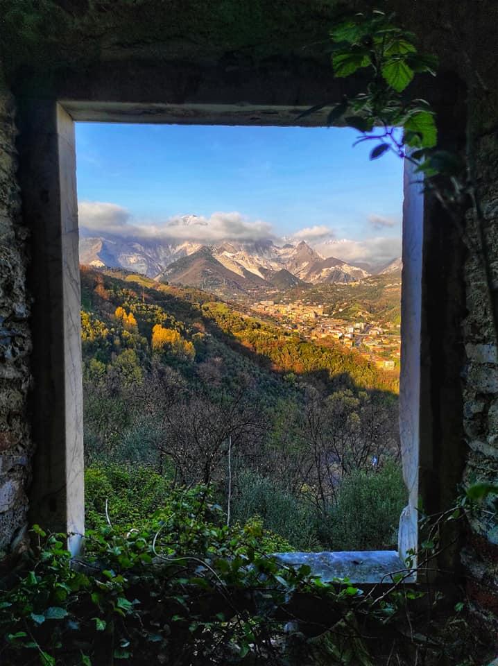 Vista sui monti dai Castelletti di Fossola