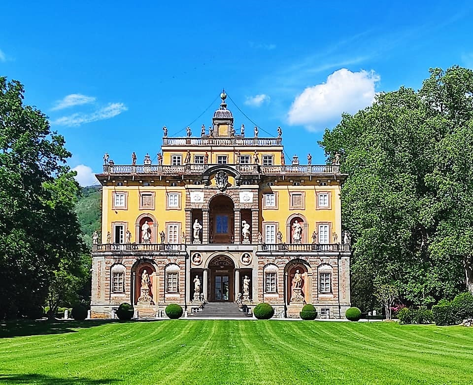Villa Torrigiani, Camigliano Lucca, la facciata  barocca