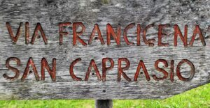 Indicazioni per San Caprasio sulla Via Francigena Pontremoli Aulla